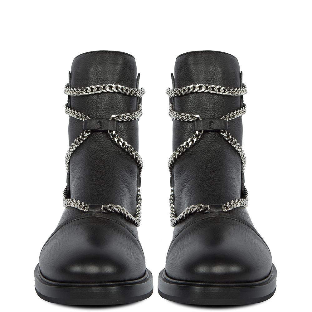 Ботинки Casadei на низком каблуке с цепочками
