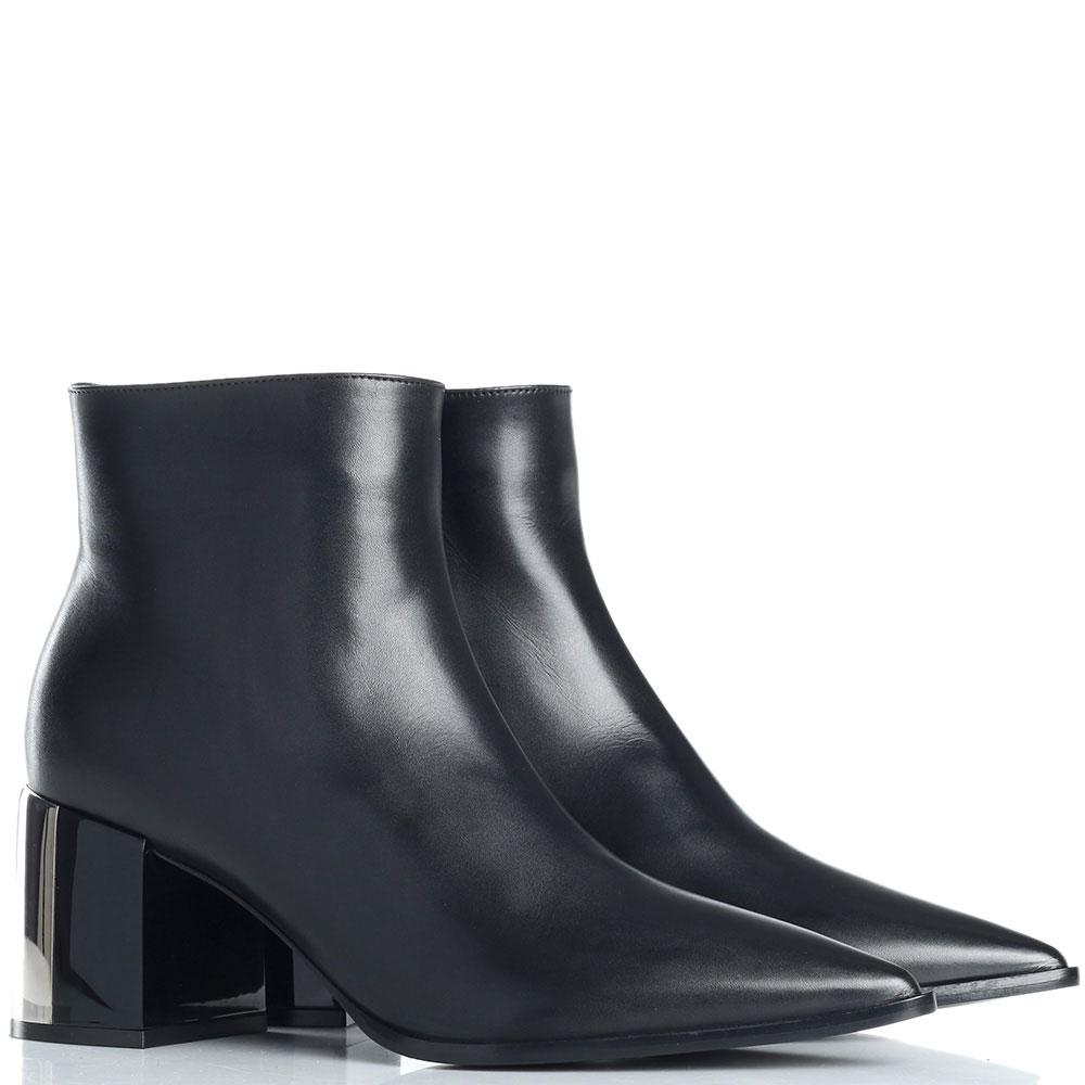 Ботильоны черного цвета Casadei с острым носком
