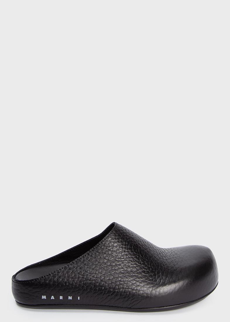 Мюли черного цвета Marni из крупнозернистой кожи