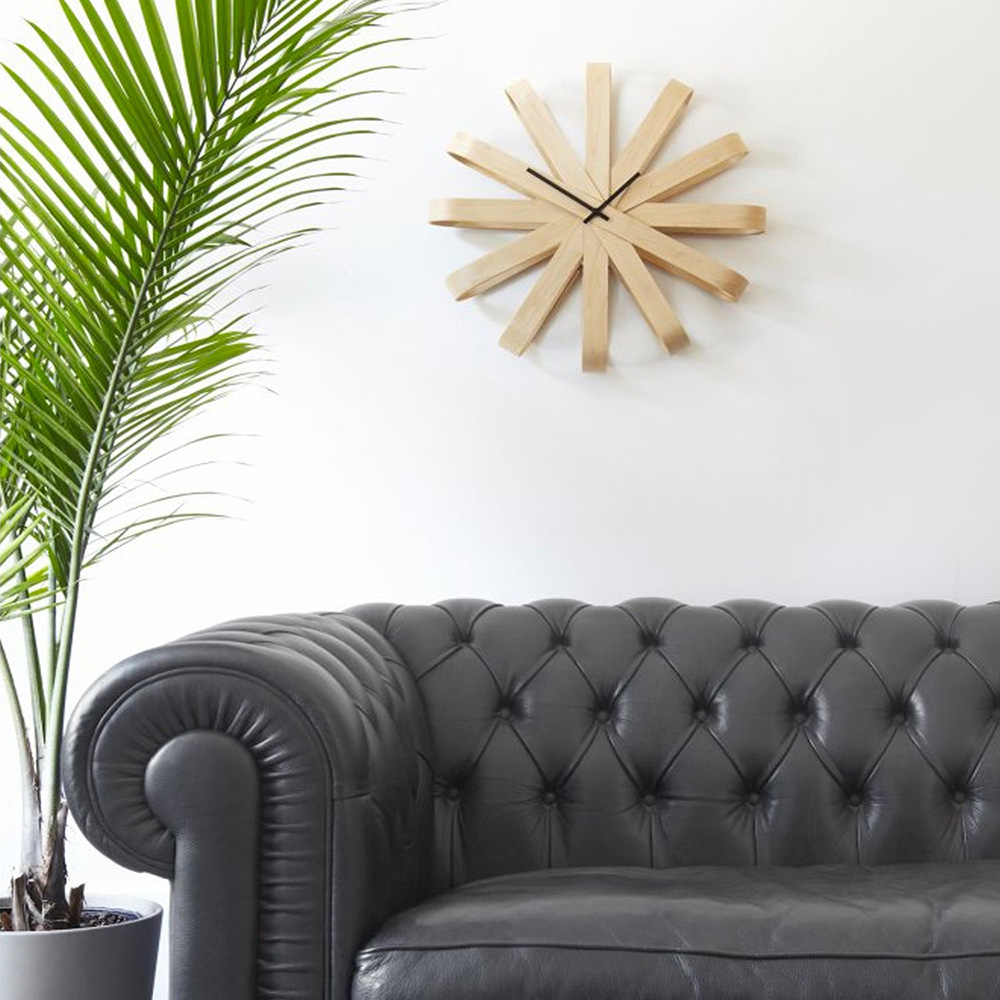 Деревянные интерьерные часы Umbra Ribbonwood