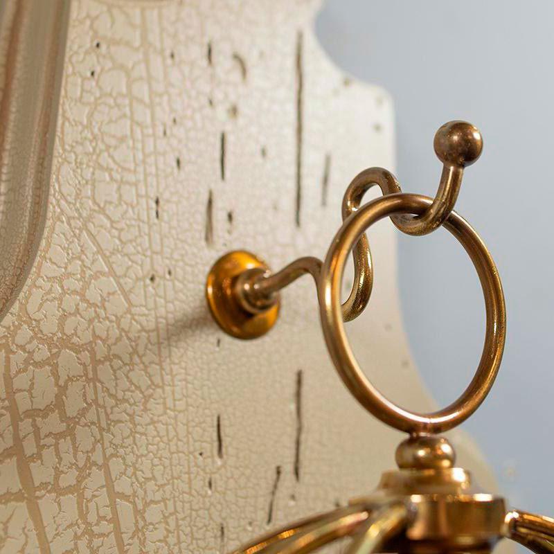 Настенные часы Capanni с элементами из латуни