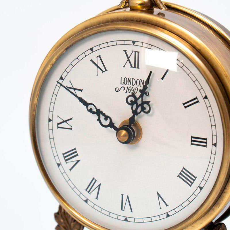 Настольные часы Capanni с подставкой из антикварного дерева