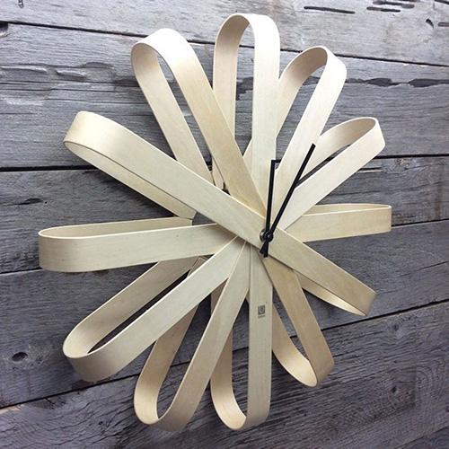Деревянные интерьерные часы Umbra Ribbonwood , фото