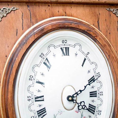 Настенные часы Capanni декорированные рисунком сфинксов, фото