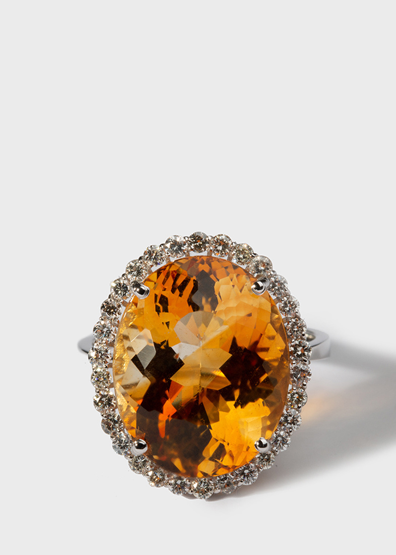 Крупное кольцо Gemmis с бриллиантами и цитрином