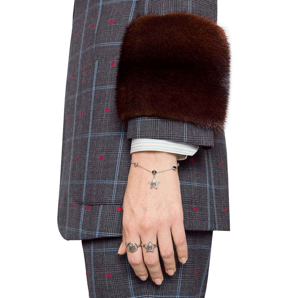 Серебряный браслет Gucci Blind for Love с подвеской в виде звезды и камнями