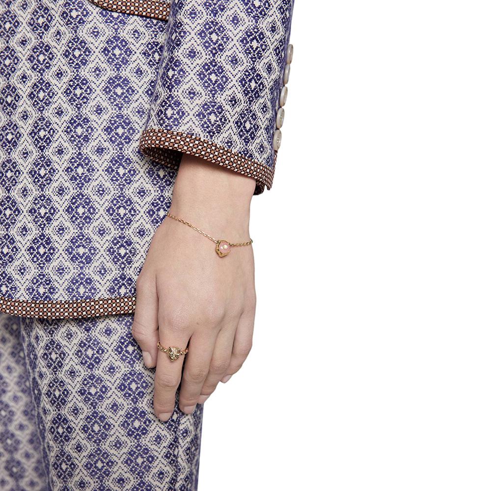 Браслет Gucci Le Marche des Merveilles с подвеской, бриллиантами и розовым опалом