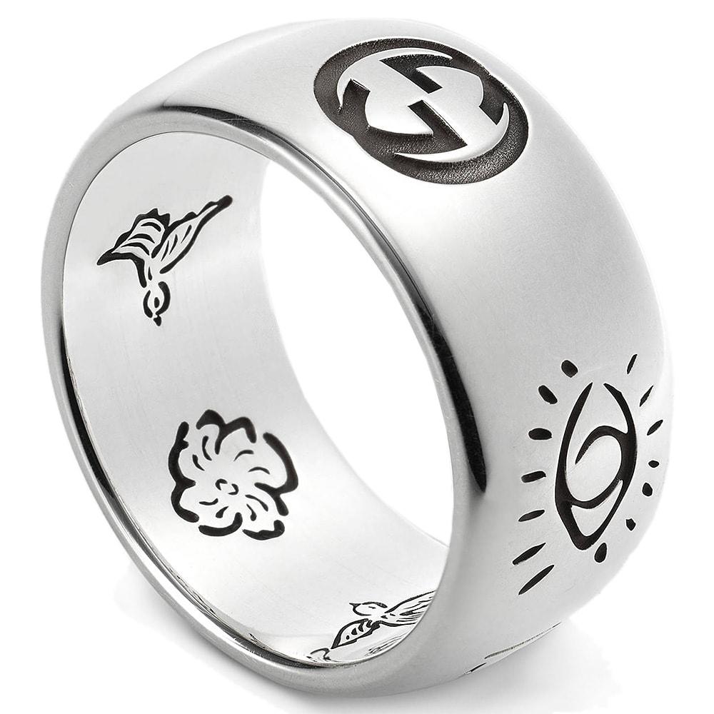 Широкое кольцо Gucci Blind for love из серебра с романтичной гравировкой