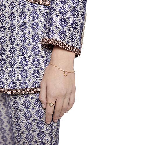 Браслет Gucci Le Marche des Merveilles с подвеской, бриллиантами и розовым опалом, фото