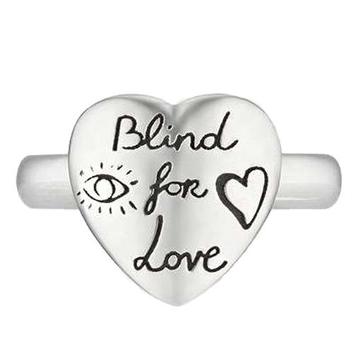 Серебряное кольцо Gucci Blind for love в виде сердца с гравировкой, фото