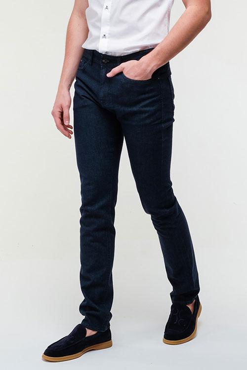 Джинсы Hugo Boss темно-синего цвета, фото