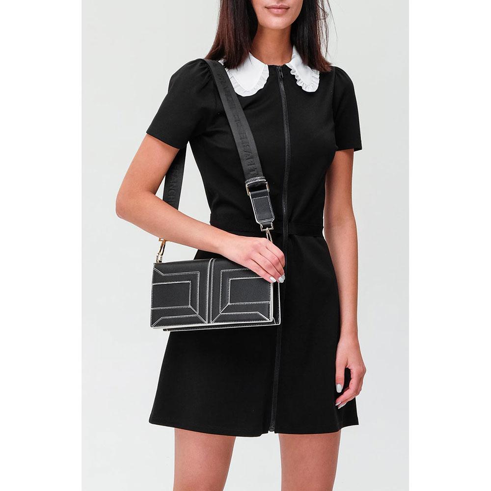 Черная сумка Elisabetta Franchi с контрастной строчкой