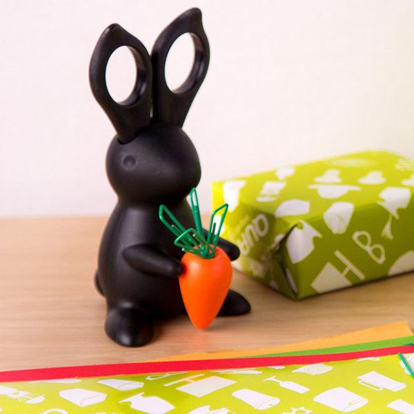 Набор из ножниц и магнитного диспенсера для скрепок Qualy Desk Bunny