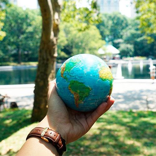 Самовращающийся глобус Mova Globe Физическая карта, фото
