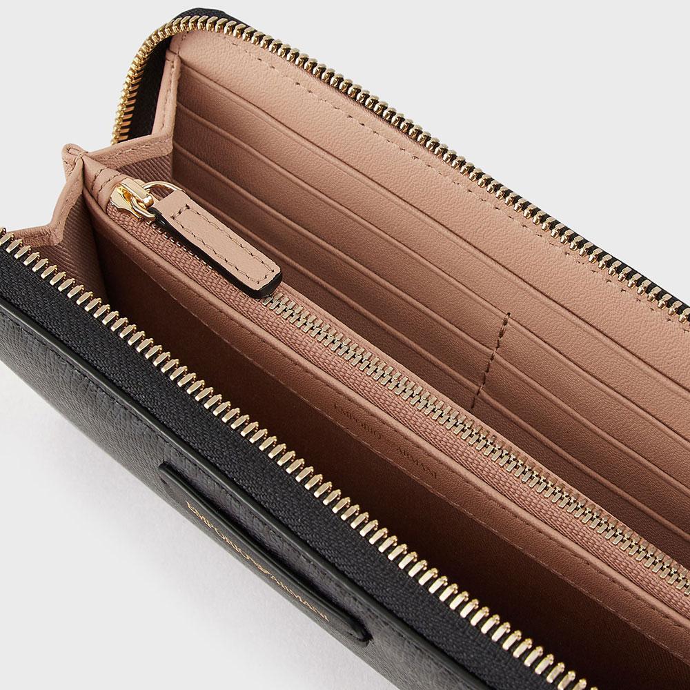 Черный кошелек Emporio Armani с монограммой бренда