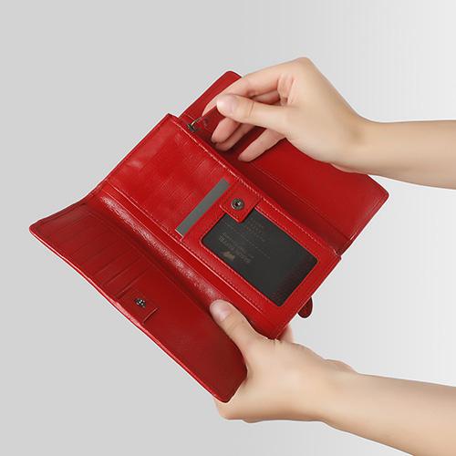 Красное портмоне Braun Bueffel Soave с декором на клапане, фото