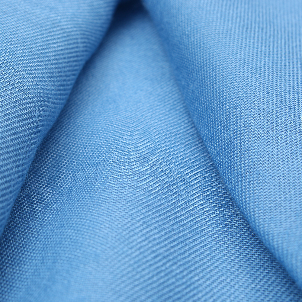 Однотонный палантин Fattorseta голубого цвета
