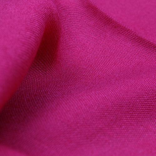 Однотонный палантин Fattorseta малинового цвета, фото