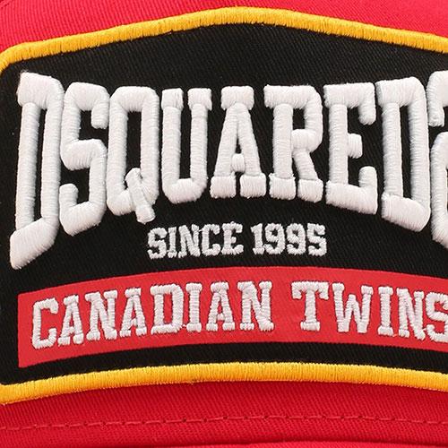 Красная кепка Dsquared2 с вышитыми надписями, фото
