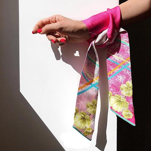 Узкий двухсторонний шарф D.OLYA by Olga Dvoryanskaya розового цвета с цветочным принтом, фото